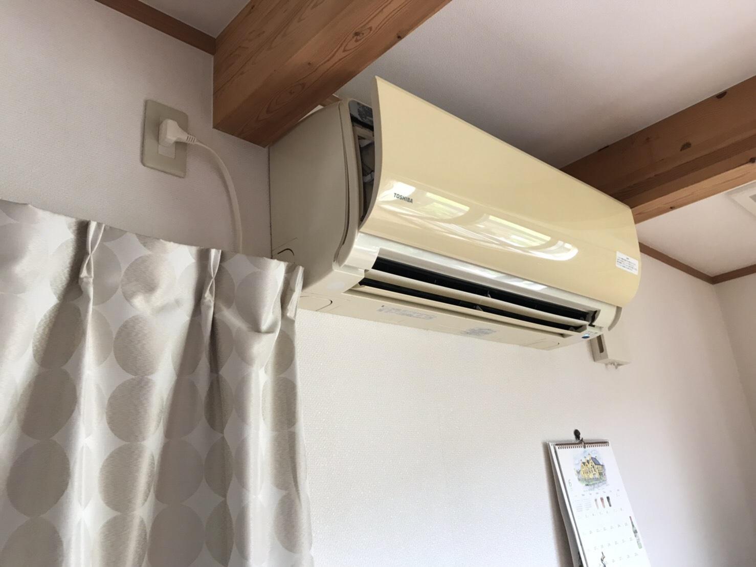 佐賀市本庄町フィルターお掃除ロボット付きエアコンの分解洗浄!