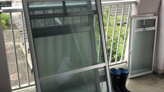 佐賀市市営団地ガラス・パッキンカビ取り磨き清掃