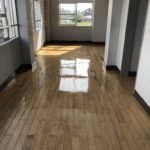 柳川K中学校廊下洗浄Wax塗布工事